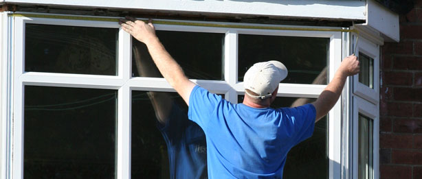 Picking a Window, Door and Glass Contractor